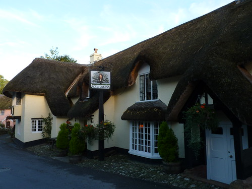 The thatched Royal Oak pub in Winsford