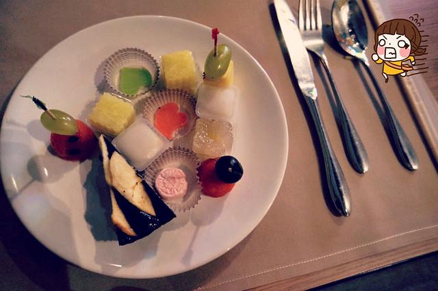 Baiyoke Sky Hotel Bangkok: Buffet Dinner