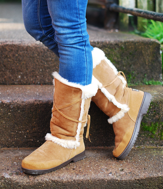 Canterbury Sheepskin tan boots