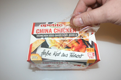 03 - apetito China Chicken - Folie entfernen / Remove foil
