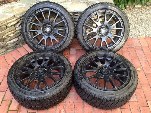 fs   for sale  sold sold 17x8 5x114 motegi mr118 with lm-60 perf  snow  750