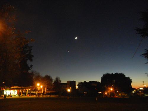 DSCN7580 _ New Moon & Venus, 5 December 2013
