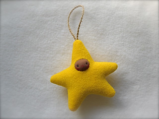 Drizzle Ornament: Bright Marigold STAR/Brown