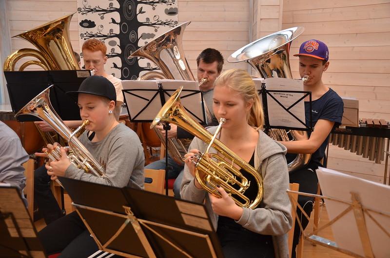 Horn - Elin och Hanna samt Tubor - Christoffer, Stefan och Oscar.