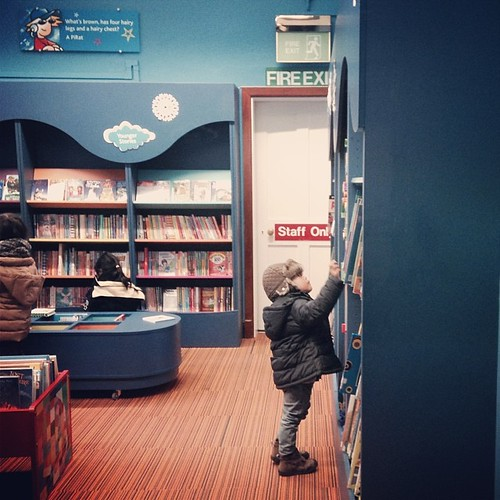 Kids' favorite place: library. #pinoditauk