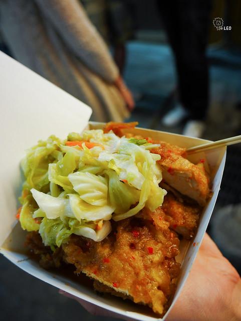 [台中 逢甲]–好吃雞排 好吃泡菜–逢甲小寶泡菜醬料雞排