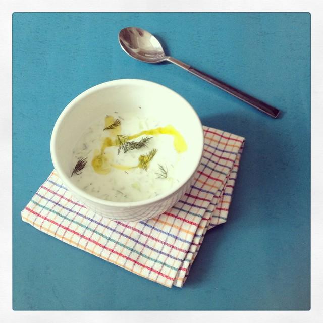 Sopa Gelada de Pepino com Iogurte e Dill