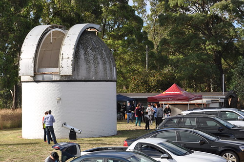 Vistors and Members Arrive for the Evening Talk at Mount Burnett Observatory Open Day 2014