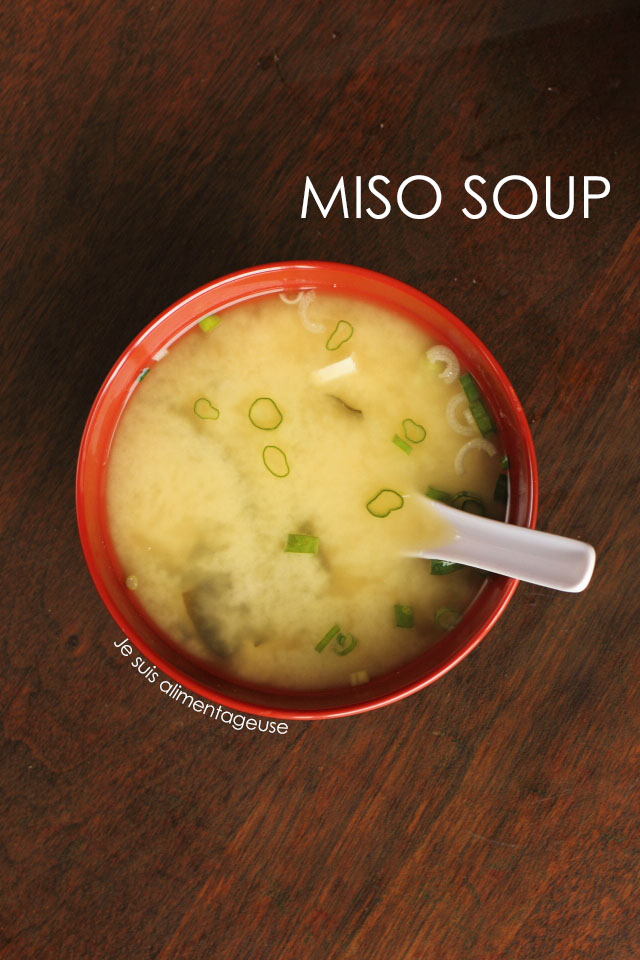 Vegan miso soup that is easy to make at home! #vegan #Japanese #probiotic