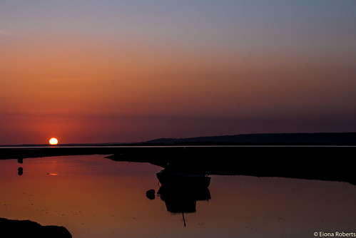 wales unitedkingdom sunsets penclawdd