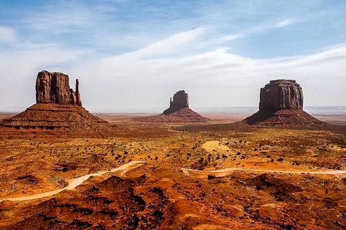 arizona landscape desert monumentvalley 2mittens