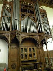 synagogue(0.0), electronic device(0.0), keyboard(0.0), facade(0.0), cathedral(1.0), organ pipe(1.0), organ(1.0), pipe organ(1.0), wind instrument(1.0),