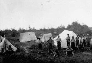 Prospecters' and miners' camp, Val d'Or, Quebec / Camp des prospecteurs et des mineurs, Val-d'Or (Québec)