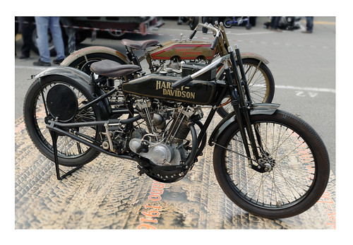 Harley Davidson 8 valves by Michel 67