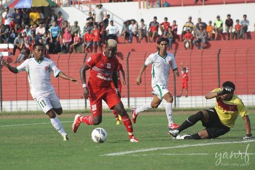 IPL 2013: Persiba Bantul 3 x Bontang FC 2
