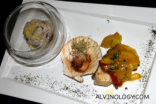 Pan Rasted Cod Fillet (Delicate cod fillet with baked scallop in its shell with onion relish and mushroom risotto) - S$33
