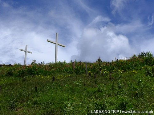 Two cross on the way up to New Rizal Falls