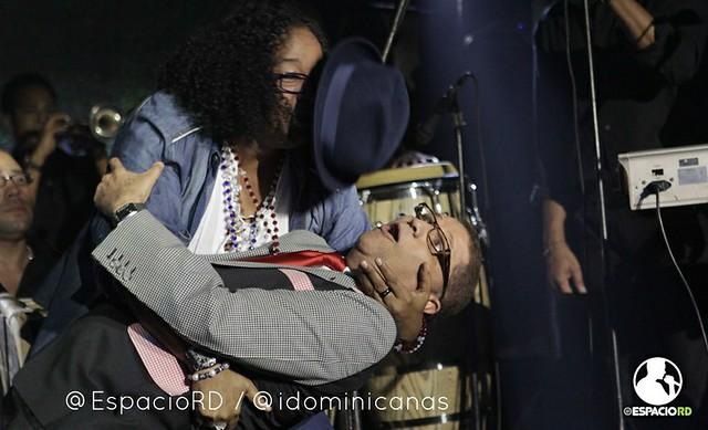 Sergio casi besa a Domingo Bautista