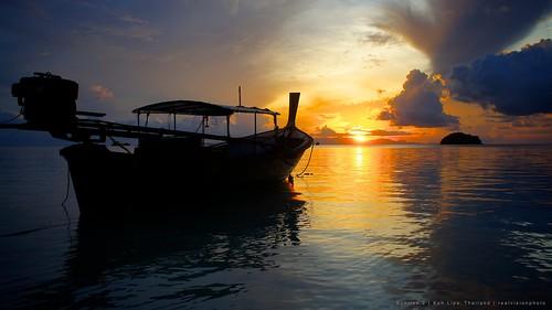 ocean sea sunrise thailand ship koh lipe nex