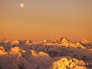 Espectacular vista de cumbres pirenaicas.