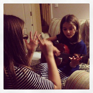 Having a guitar lesson from @minimoobear