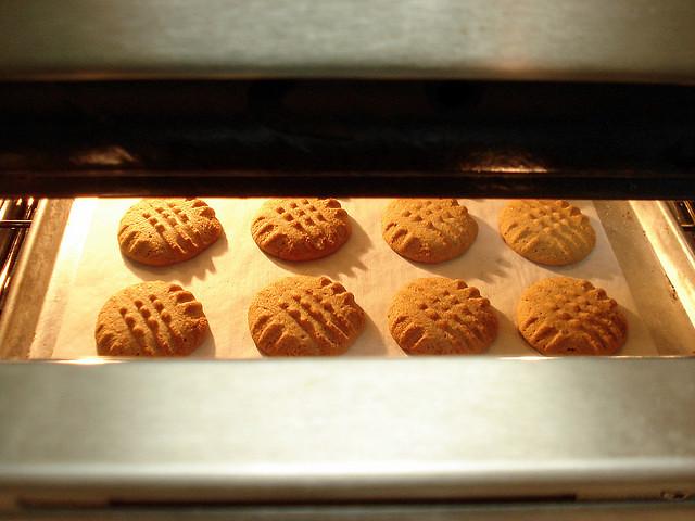 Baking cookies by Rendiru, on Flickr
