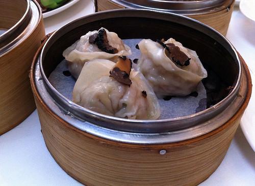 Minced chicken and truffle dumplings