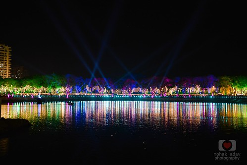 lighting lake photography nikon arts nightlife upvan upvanlake d5200 nikond5200 showperfomance