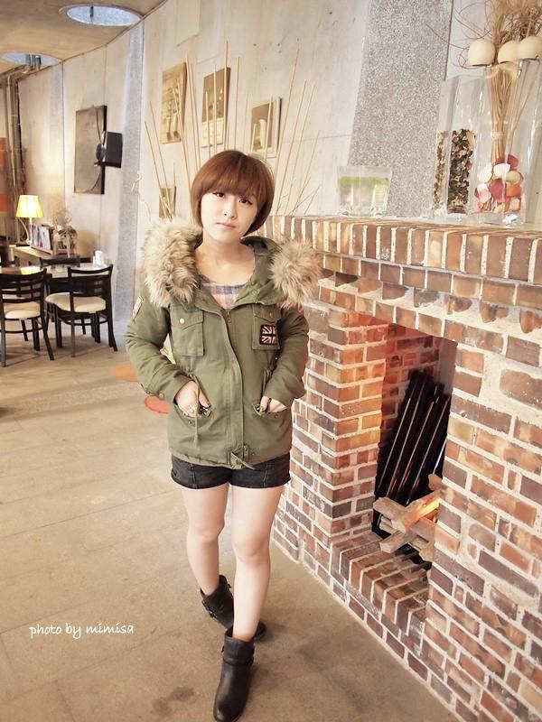 RUBON 軍綠色毛領大衣 (3)