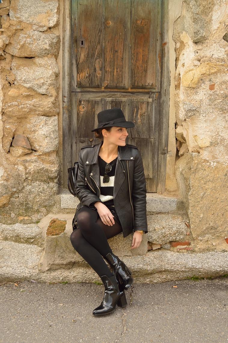 lara-vazquez-madlula-blog-black-hat-biker