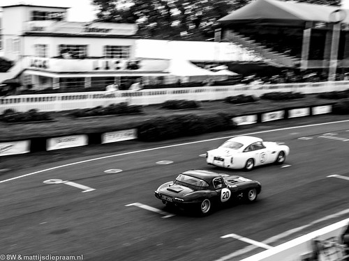 2013 Goodwood Revival: Aston Martin DB4GT & Jaguar E-type