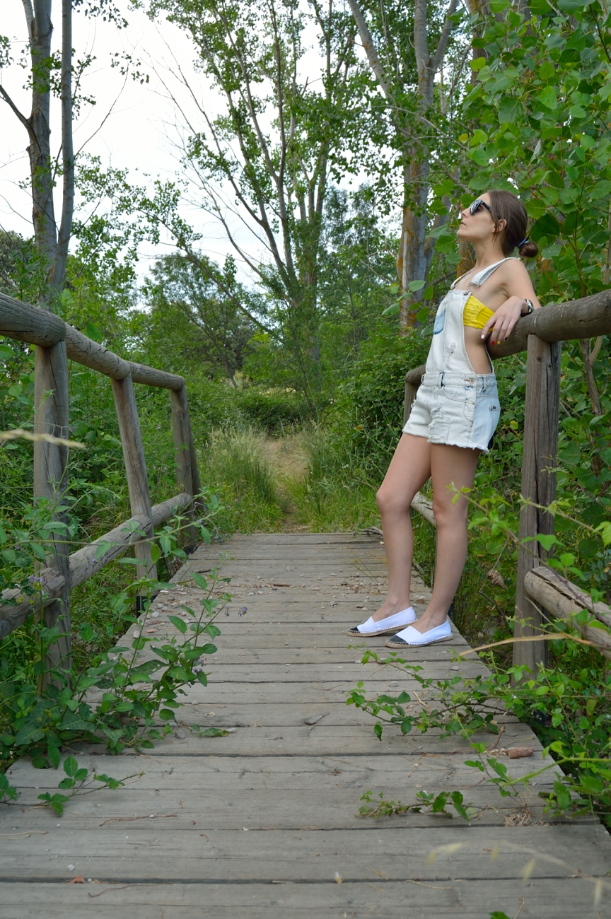 lara-vazquez-madlula-blog-style-fashion-pop-of-yellow-attire