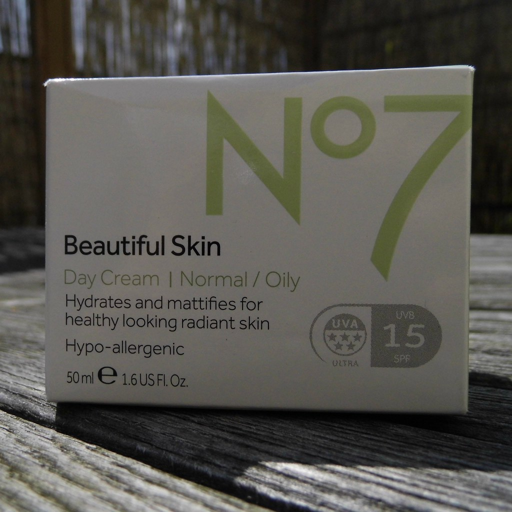 Boots No7 Beautiful Skin day cream normal or oily skin SPF 15