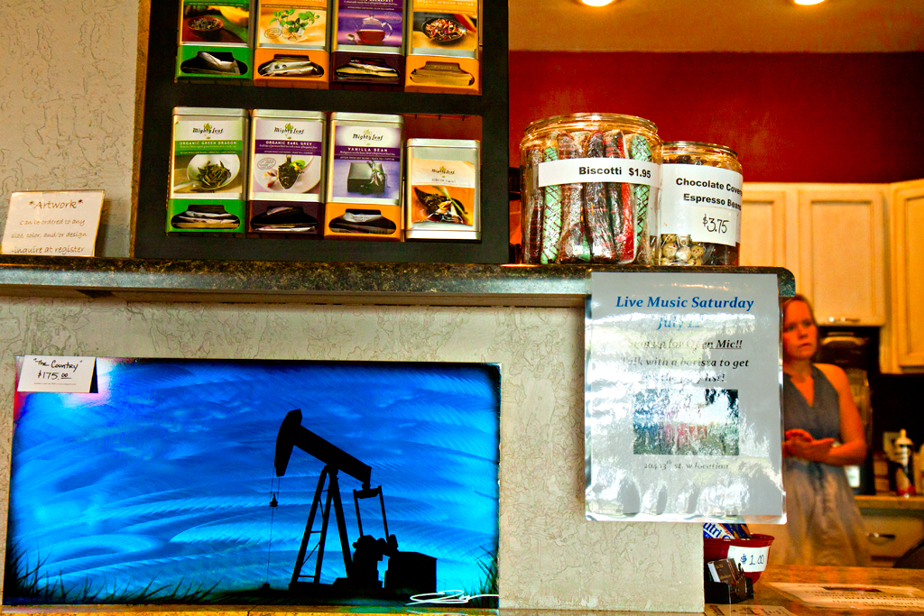 Oil-derrick-image-in-coffee-shop--Williston