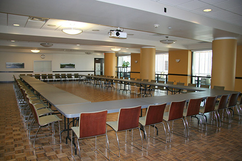 CMU Mississippi Room - Large Meeting Table
