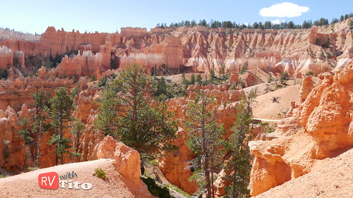 Tue, 10/04/2016 - 13:22 - HIke through Bryce Canyon National Park