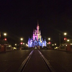Not quite @Tom_bricker - worthy last-soul-out shot, but close! Thanks for the tip on the Kiss Goodnight, too! #magickingdom #disney #wdw #iphone5s #iphoneonly