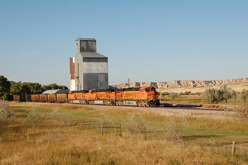 C-ATMPRR1-19A BNSF 5892 at Slater, WY  Sept 19, 2009