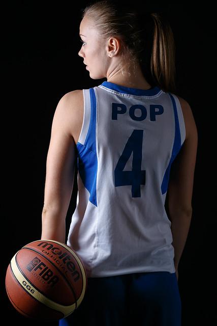 Claudia Pop
