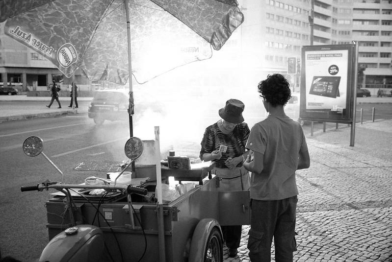Castanhas assadas nas tardes de Novembro em Lisboa