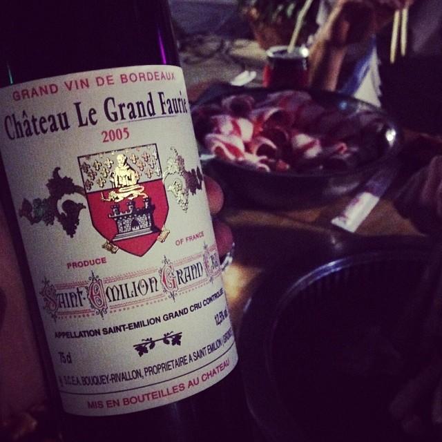 2005的Saint-Emilion的Grand Cru要怎么喝?配烧烤喝!