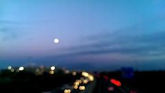 La luz más potente nos guía por la noche.