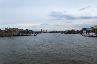Vue sur la Tamise depuis Tower Bridge