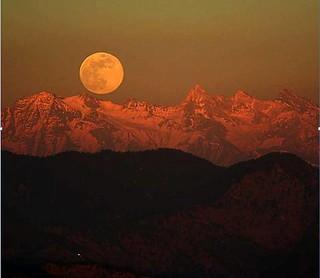 το φεγγάρι στα δημοτικά τραγούδια παραδοσιακά τραγούδια παραδοσιακή μουσική