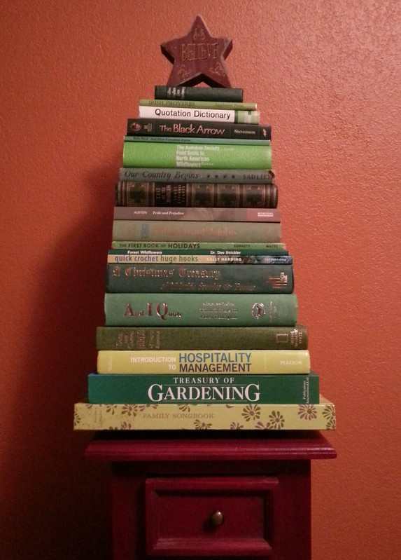 Fun Find Friday: Book Christmas Tree – The Green Mockingbird