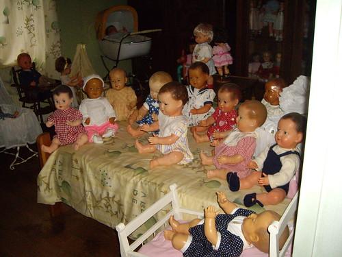 Les poupées de ma maison  11367784755_95a86bde6a