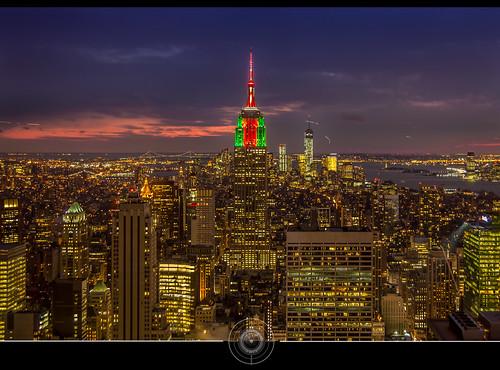 nyc usa newyork building night cityscape view manhattan empirestatebuilding bluehour nuit vue dri topoftherock digitalblending heurebleue jean271972 jeansurprenant
