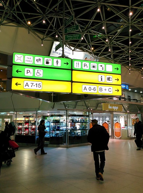 002 - En el aeropuerto