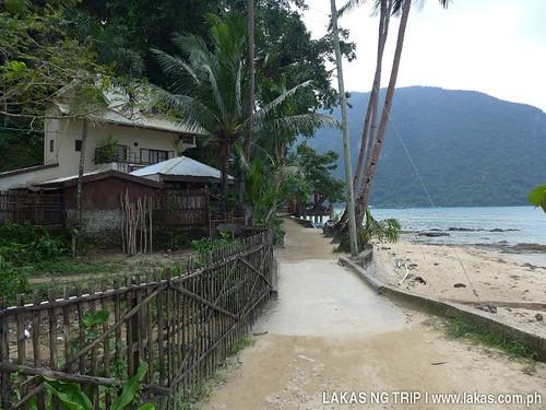 Pathway to Gawad Kalinga Lodge & Restaurant El Nido, Palawan