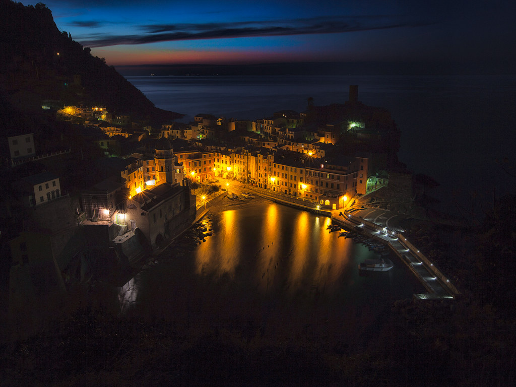 Vernazza [Night/Morning]